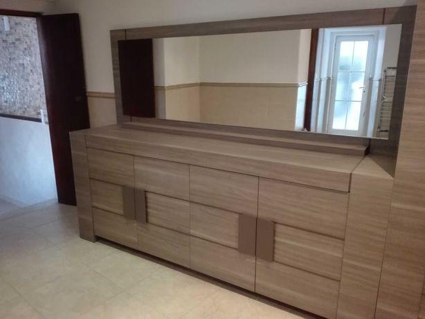 Mobília de Jantar - Linhas Modernas - Como nova