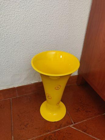 Vaso amarelo