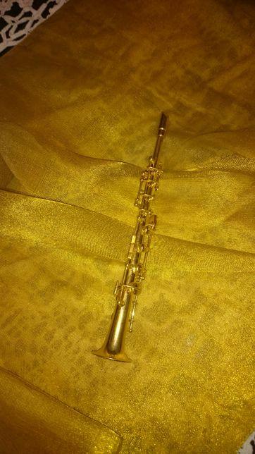 Saxofone soprano em miniatura