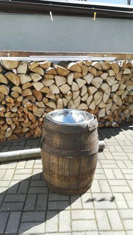 Drewniana beczka ogrodowa