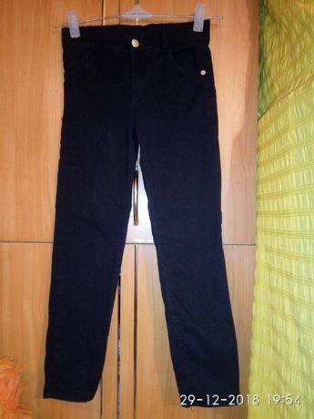 Школьные брюки. из двух единиц. р.34, 36 длина 81, 75 см.
