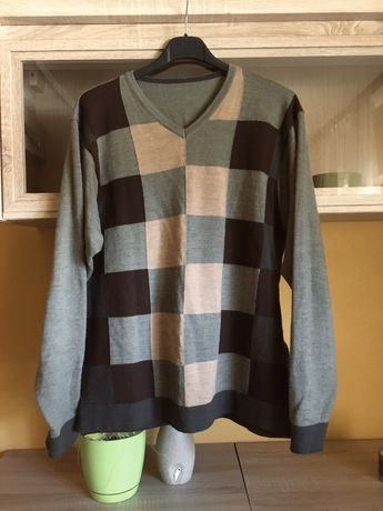 Elegancki i modny sweter w kratę | Rozmiar M
