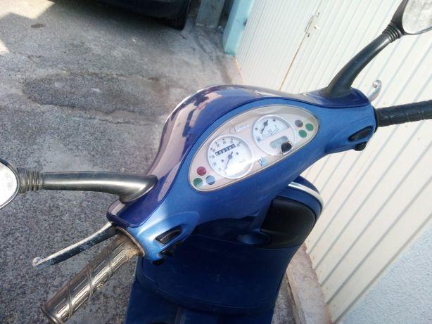 Scooter vespa 50cc a gasolina 4 tempos
