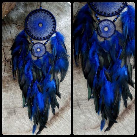 Ловец снов в синих тонах.