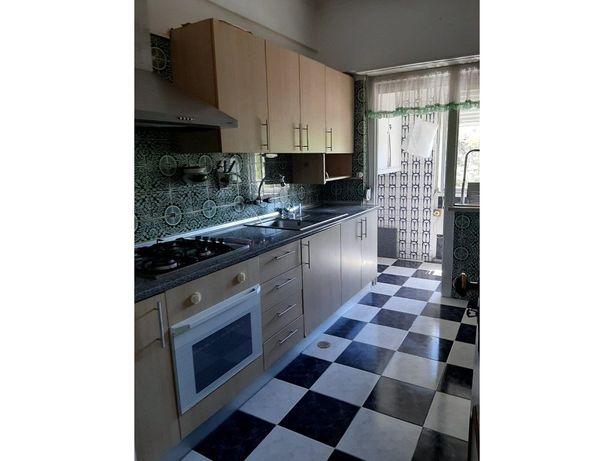 Apartamento T2 - Linda-a-Velha, Oeiras