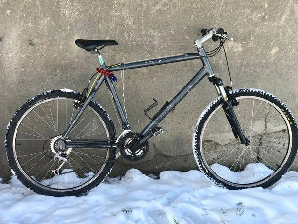 Велосипед Giant.
