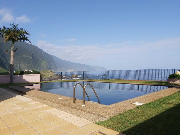 Moradia T3 com piscina à beira mar!