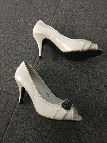 Sapatos mulher tamanho 38