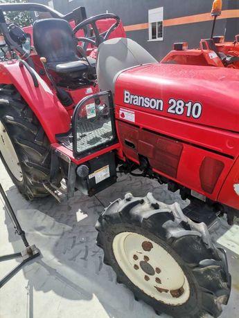 Trator Branson 2810