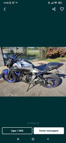 Yamaha MT 07 bem conservada