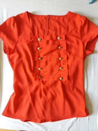 Bluzka czerwona z guzikami