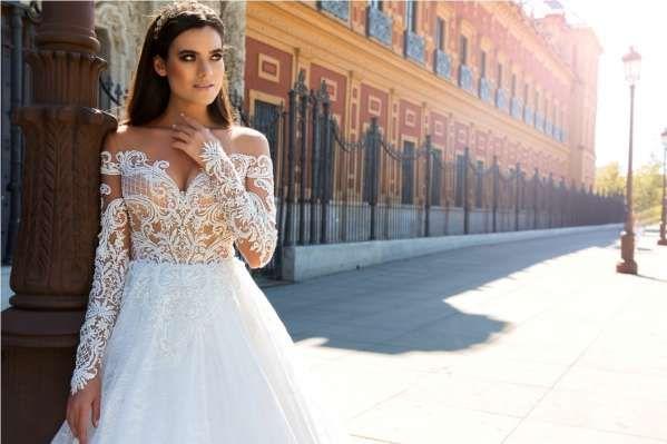 Продам шикарное свадебное платье M.