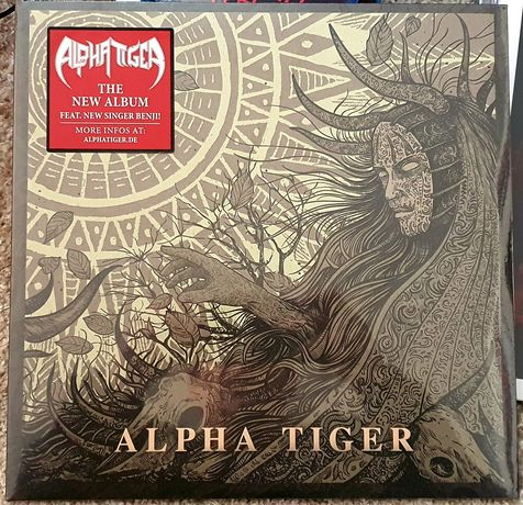 Dois discos vinil Alpha Tiger heavy metal