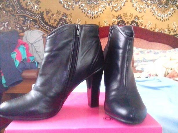 Ботинки/полусапожки 38 размера