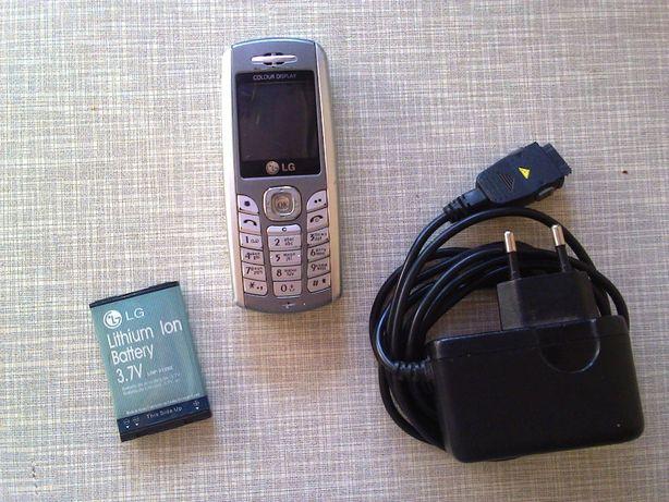 Телефон LG G1600 + зарядное устройство (сетевой адаптер-блок питания)