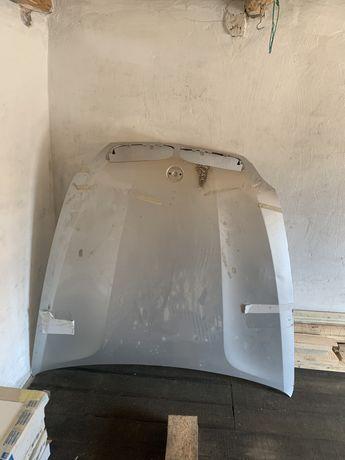 Капот BMW X5 E70 после ДТП