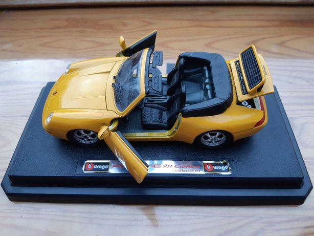 Model 1:24 Porsche 911 Carrera cabriolet Burago.