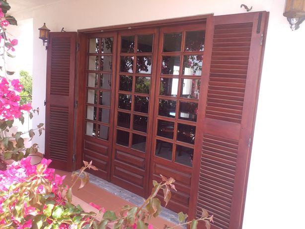 Janelas portas e portadas madeira exótica