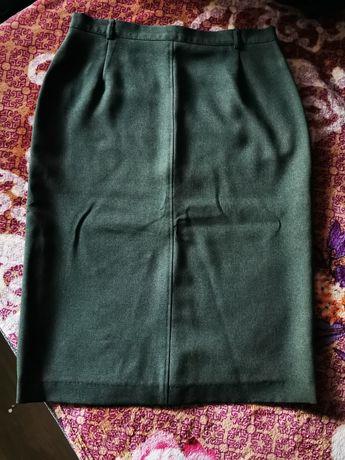 Spódnica khaki r. 40