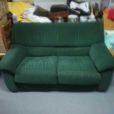 Conjunto de sofá cama + 2 poltronas