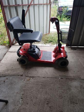 wózek elektryczny dla starszej osoby