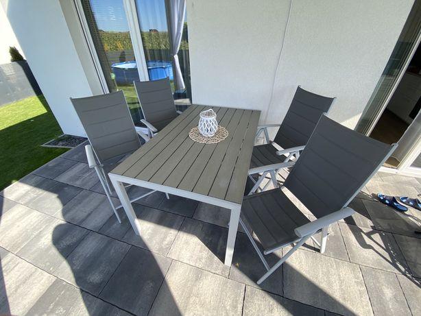Zestaw mebli ogrodowych - stoł i 4 krzesła