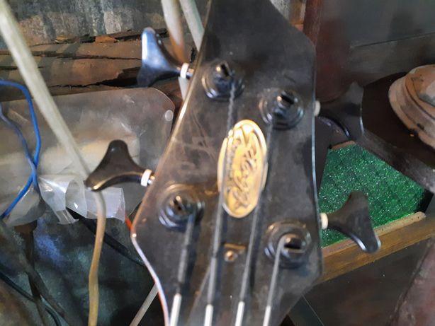 Guitarra baixo electrica