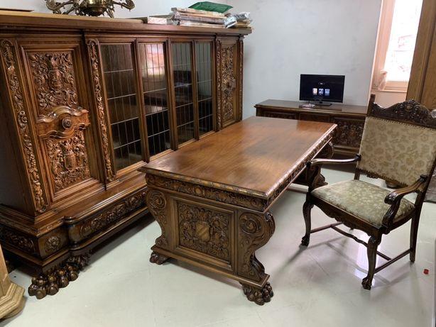 Антикварний кабінет 1900 рік