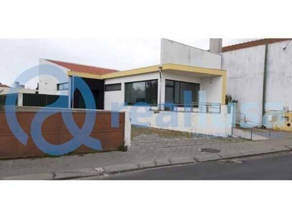 Loja ampla c/Wc em Pardilhó, Estarreja, Aveiro, Excelentes condições d
