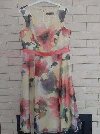 Piękna Sukienka Francoise R.46 z narzutka
