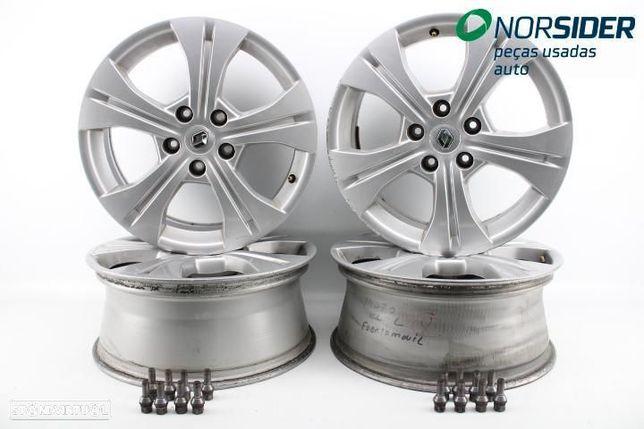 Conjunto de jantes de alumínio Renault Megane III Coupe Fase I 08-12