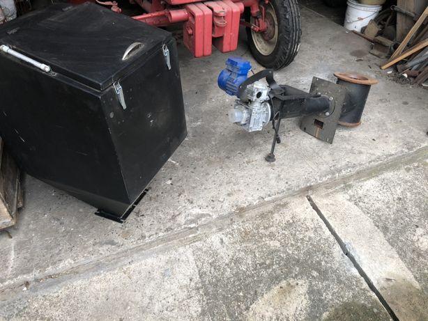 Podajnik ślimakowy z zbiornikiem nowy nieużywany