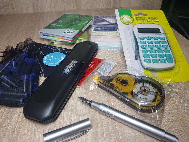 Artykuły biurowe. Pióro wieczne, kalkulator itp.