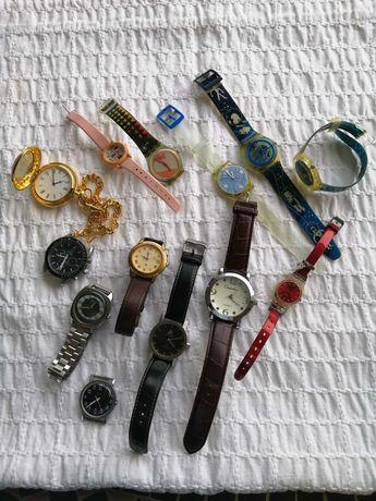 Conjunto de 13 relógios (12 de pulso e 1 de bolso)