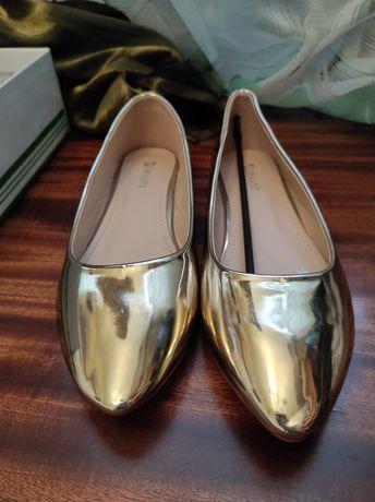 Продам балетки зеркально-золотистого цвета