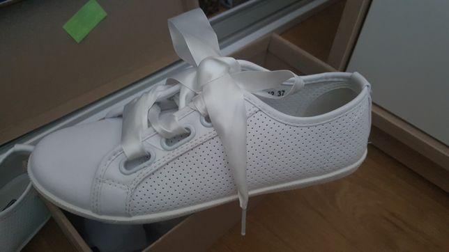Nowe białe trampki szerokie wstążki tenisowki wiązane na wstążki