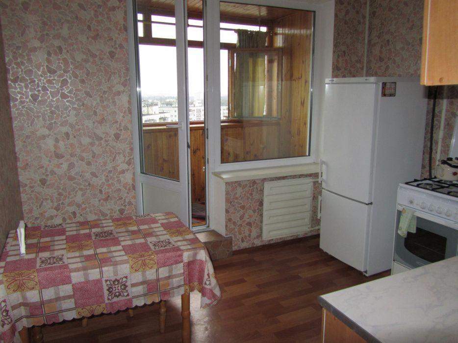 Своя квартира , метро Дарница.-1
