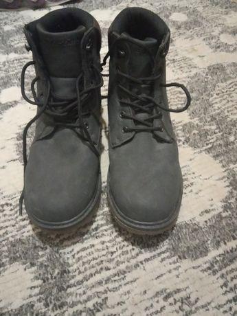 Ботинки зимние на подростка.