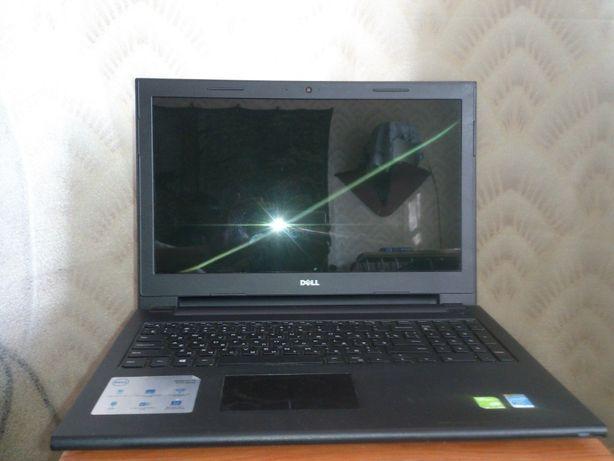 Ноутбук Dell Inspiron 15 серии 3000
