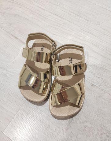 Sandałki zara 23 złote