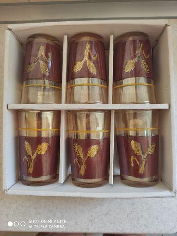 Набір стакани та чашки набор стаканы и чашки