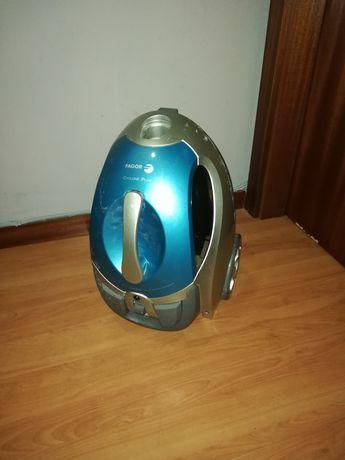 Vendo Aspirador Cyclone Plus, de alta potência 2000W da marca FAGOR
