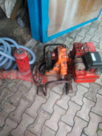 Мембранная мотопомпа для перекачки воды и нефтепродуктов