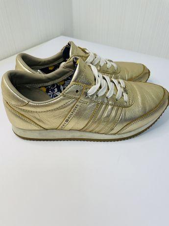 Продам кроссовки Tommy Hilfiger