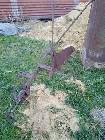 Zabytkowe rertro ozdobne do ogrodu radło pług konny obsypnik opielacz