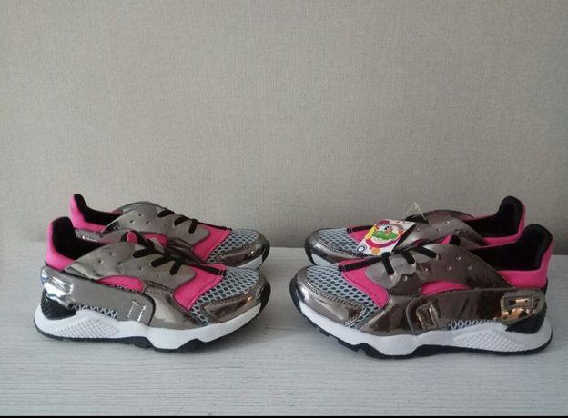 Продам кроссовки 33р и 36р