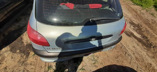 Klapa bagażnika Peugeot 206