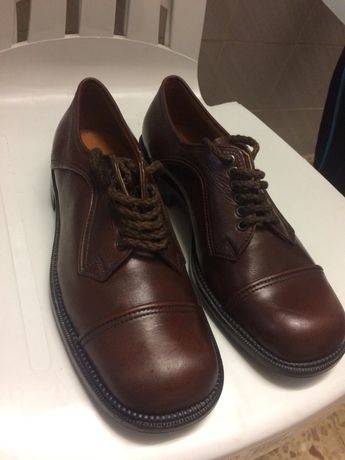 Sapatos estilo anos 60  n°42