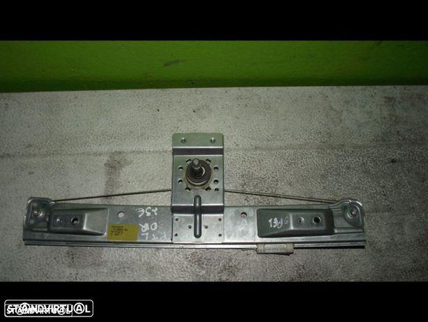 PEÇAS AUTO - VÁRIAS - Opel Corsa D - Elevador Manual de Trás Direito - EL308