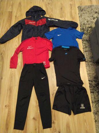 Zestaw sportowy Nike+przeciwdeszczówka Givova 146/152